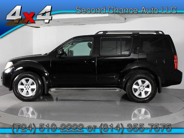 2011 Nissan Pathfinder LE 4WD 5-Speed Automatic